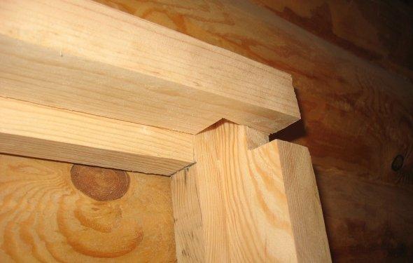 Деревянная дверная коробка