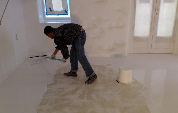 Суміш для вирівнювання підлоги