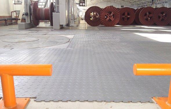 Модульные напольные плитки из