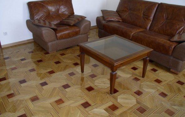 Покриття підлоги шпалерами