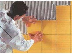 Як клеїти плитку на стіну - напрямок знизу вгору